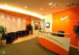Logo quầy lễ tân công ty Nike