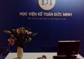 Backdrop học viện kế toán Đức Minh