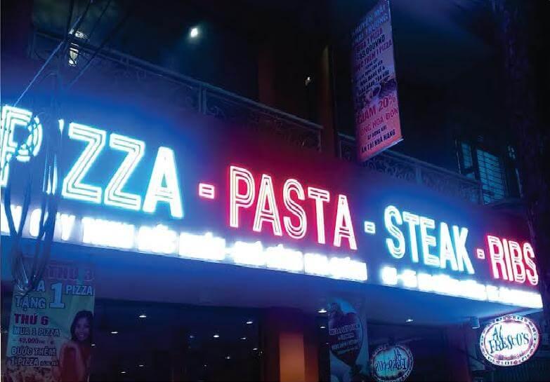 Biển quảng cáo LED khiến cho nhà hàng trở nên thu hút hơn