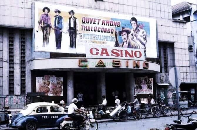Biển quảng cáo tại một cinema