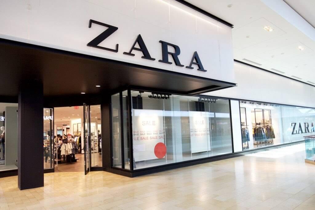 Biển hiệu của nhãn hiệu thời trang cao cấp Zara tại trung tâm thương mại