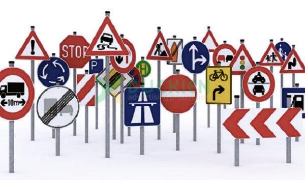Hầu hết các loại biển báo giao thông đường bộ đều làm từ tôn