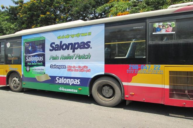 Dán deccal quảng cáo trên xe bus