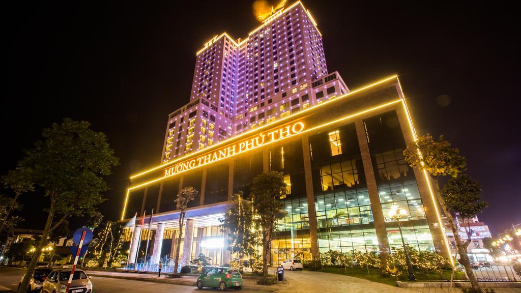 Trang trí đèn LED cho khách sạn Mường Thanh, Phú Thọ
