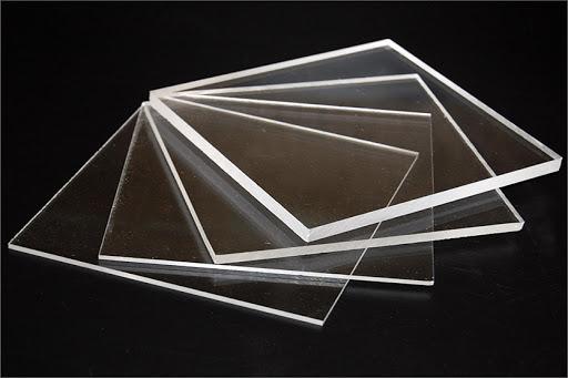 Tấm nhựa mica trong suốt để làm vách ngăn quán ăn