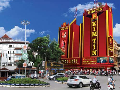 Biển quảng cáo một tiệm vàng khác của tập đoàn Kim Tín
