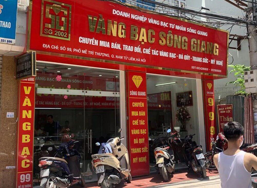 Biển quảng cáo tiệm vàng Sông Giang