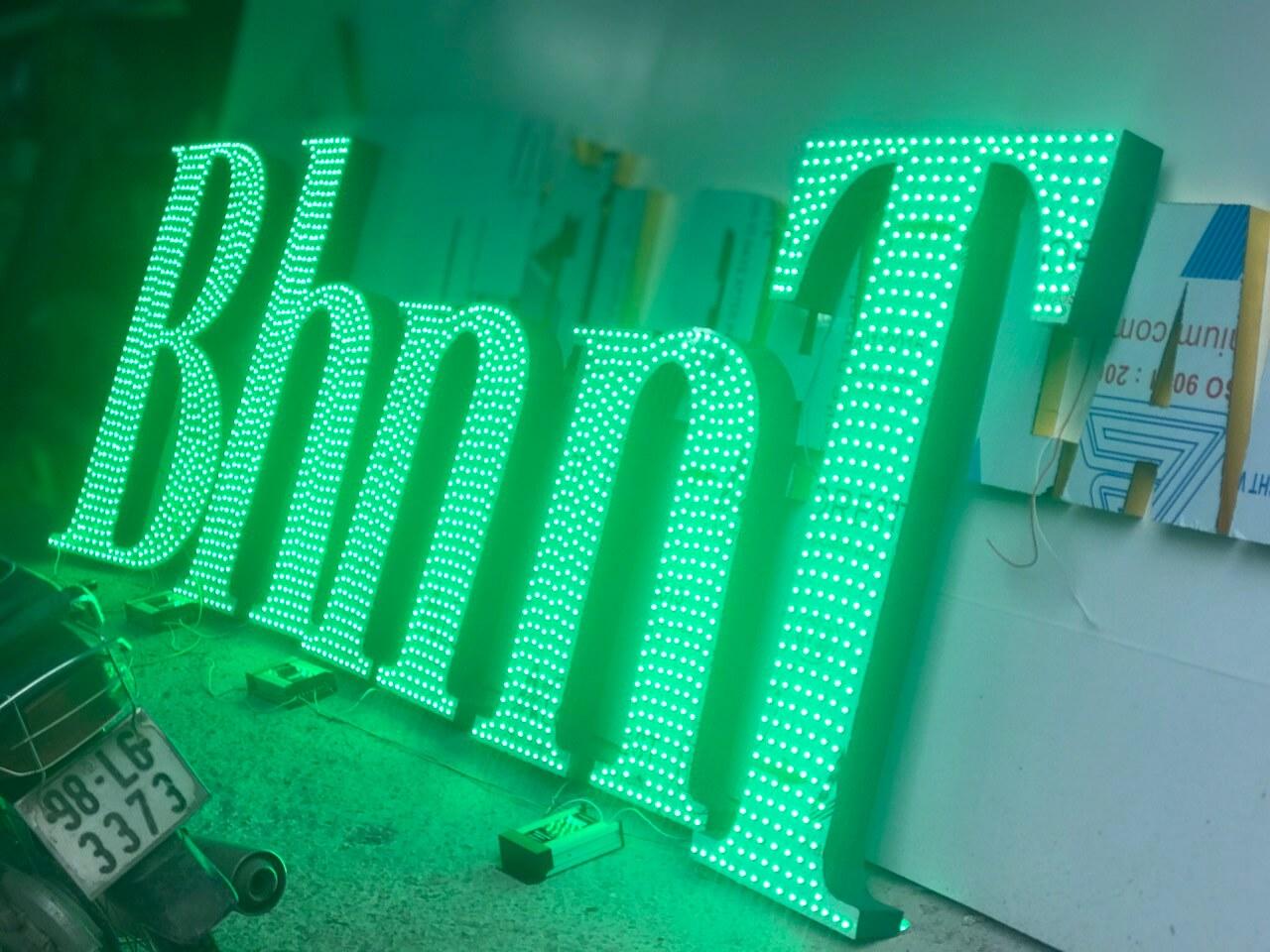Chữ nổi gắn LED tại xưởng Đức Kiên AD