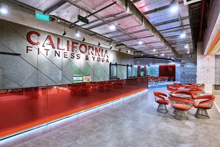 Không gian quảng cáo bên trong một phòng gym của California Fitness